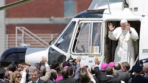 008 Benedict XVI helicopter